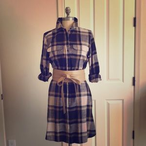 Plaid dress with roll sleeves